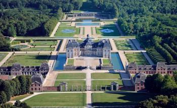 Château de Vaux-le-Vicomte louer un minibus avec chauffeur