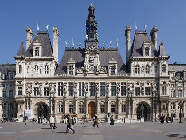 minibus avec chauffeur Hôtel de Ville (Paris) location autocar nantes