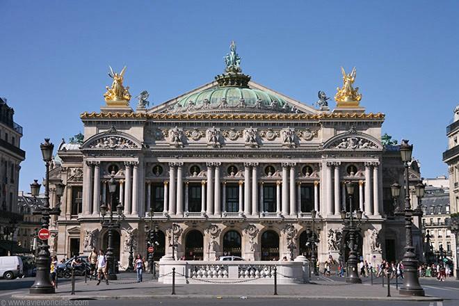 minibus avec chauffeur Opéra Garnier (Paris) location de car avec chauffeur pas cher