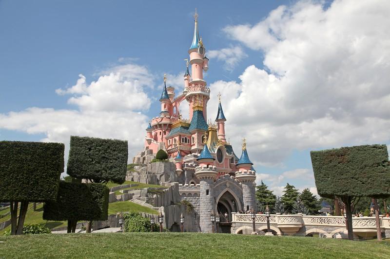 minibus avec chauffeur Parc Disneyland (Marne-la-Vallée) location de car avec chauffeur pas cher