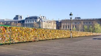 Pont des Arts (Paris) location de car avec chauffeur tarif